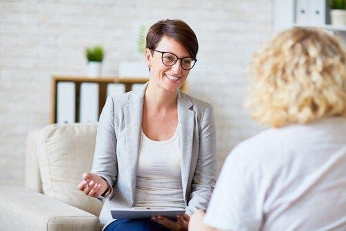 Kvinde til kvindelig psykolog