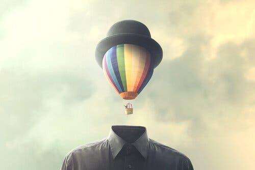 Luftballon som hoved over jakke