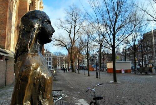 Statue af Anne Frank