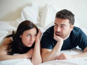 Sådan kan man undgå kedsomhed i et forhold