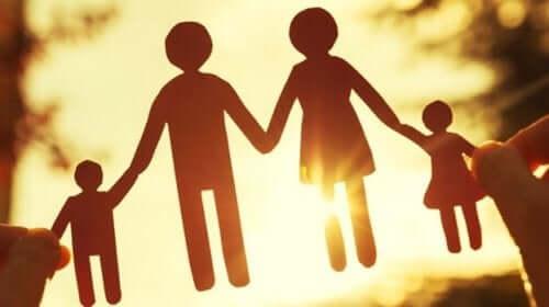 Overbevisninger i familien: Hvad kan vi lære af dem?