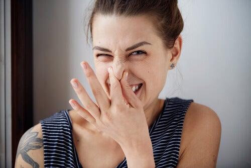 Psykologien bag lugt: Tre lugte, der ændrer attituder