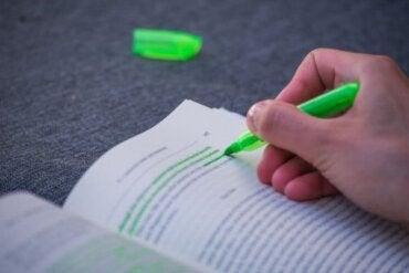 Hvorfor er det så svært at tage den grønne overstregningstusch?