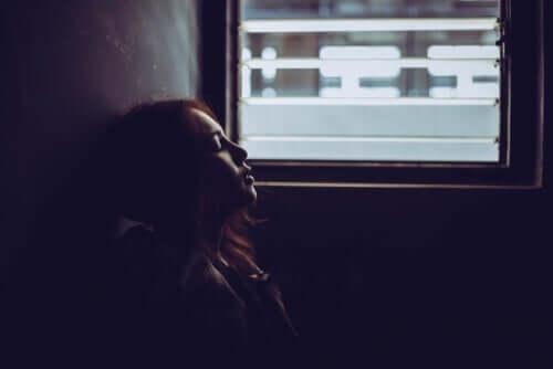 Kvinde i tog er plaget af frygten for det ukendte