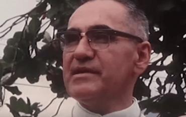 Monsignor Arnulfo Romero: Biografi af en moderne helgen