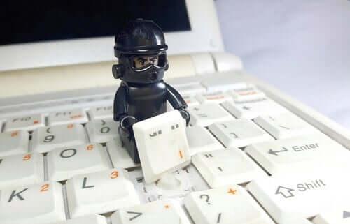 Psykologien bag phishing: Når emails bliver farlige