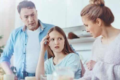 Overbeskyttende og ukærlige forældre
