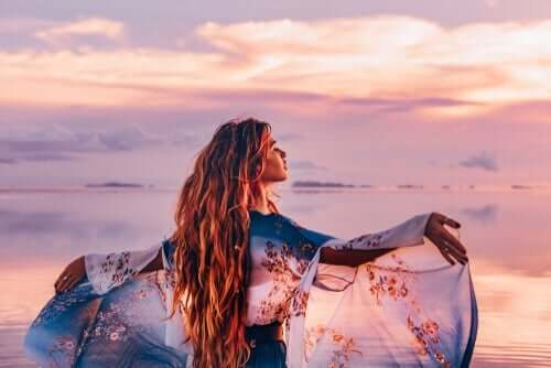 Kvinde ved havet