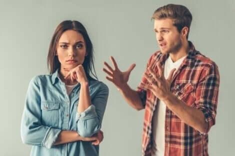 Par, der skændes