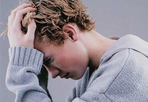 Trist ung fyr