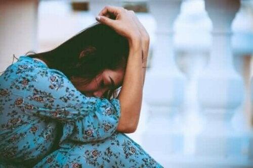 Selvdestruktiv tilpasning - at normalisere smerte