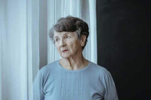 Kvinde med alzheimers