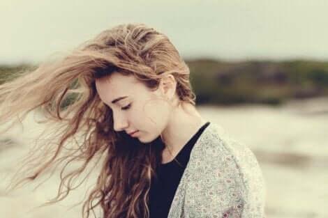 Usikkerhed og lavt selvværd: At leve livet på en tynd line