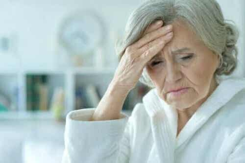 Akut konfusion: Symptomer, typer og behandling