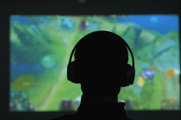 Teenagere og søvn er påvirket af computerspil