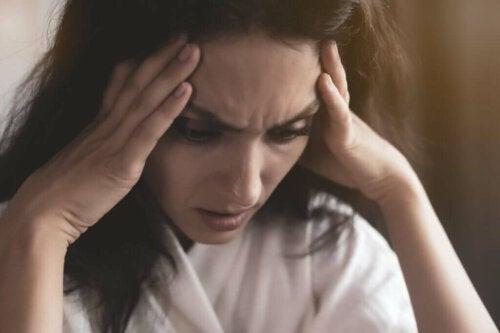 Kvinde oplever en Mental blokering forårsaget af angst