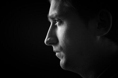 Tegn på personlighedens mørke triade